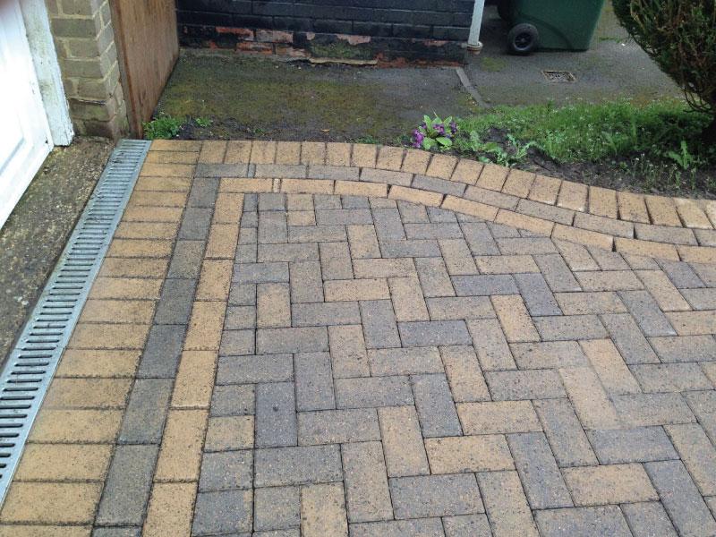 Driveway cleaning basingstoke professional driveway for Driveway cleaning chemicals